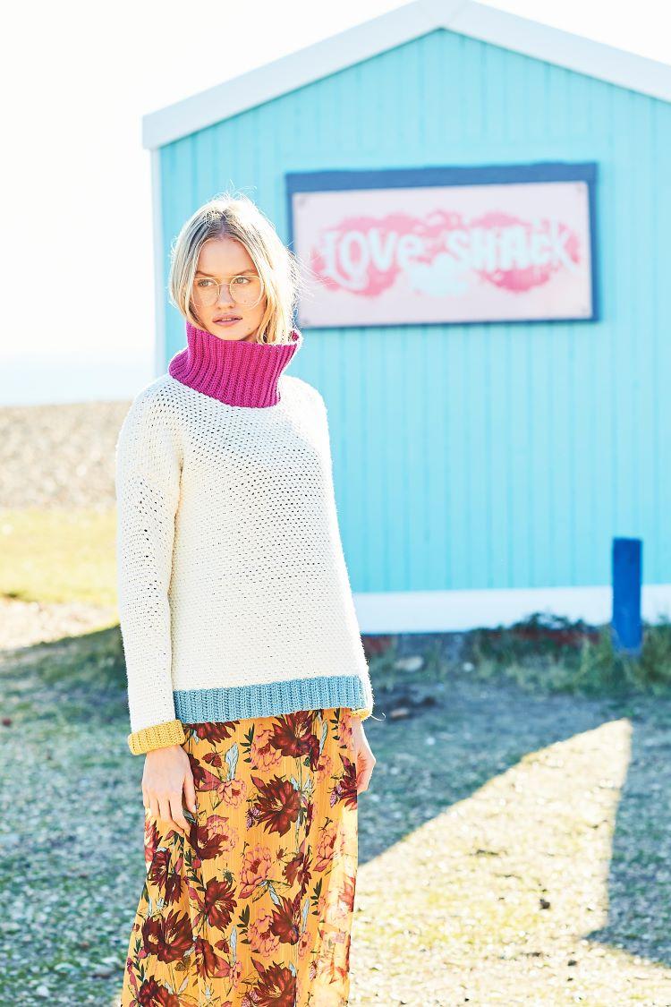 Crochet Pattern - Stylecraft 9633 DK Moss Stitch Sweater And Shell Stitch Scarf