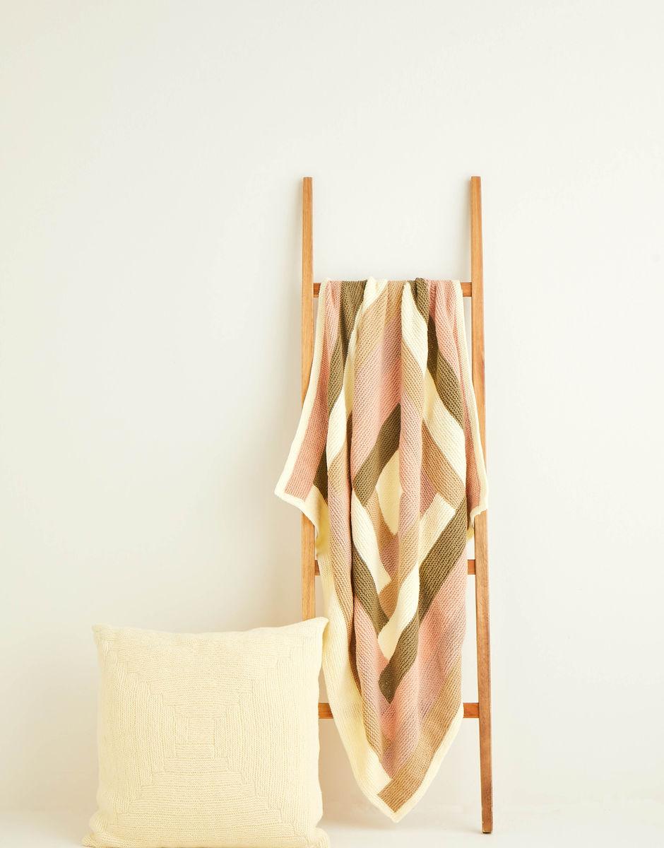 Knitting Pattern - Hayfield 10257 DK Log Cabin Blanket and Cushion in Hayfield Bonus